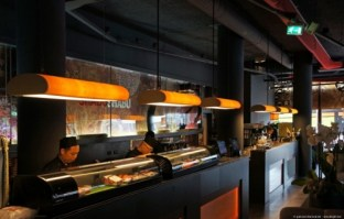 Shabu shabu Rotterdam - bar - tube lights in ash wood.jpg